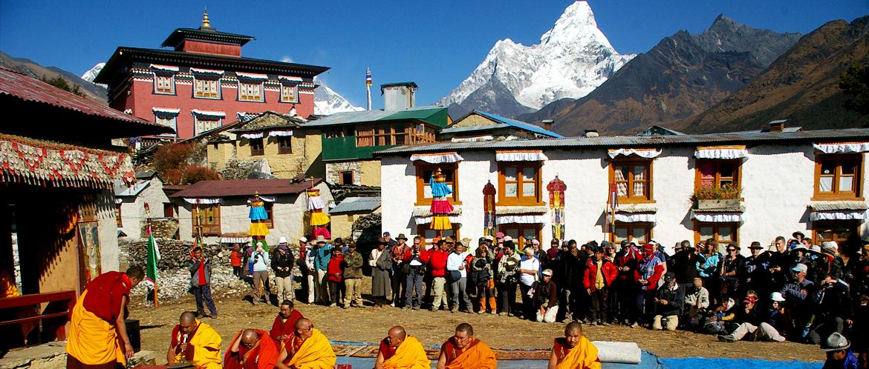 Everest & Annapurna Luxury Trekking with Chitwan NP